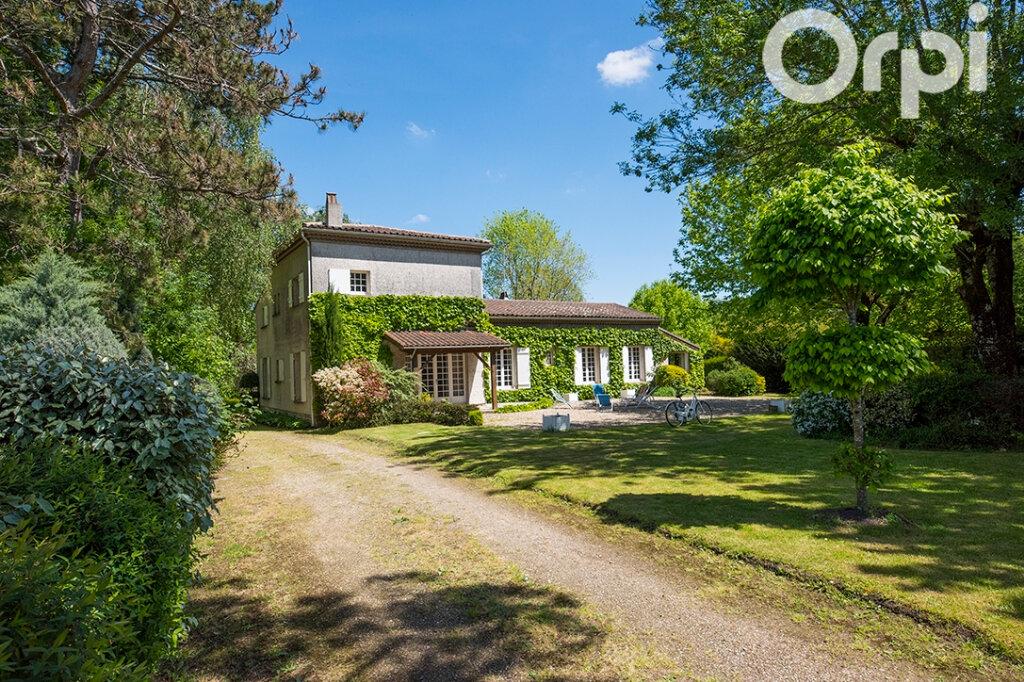 Maison à vendre 12 243m2 à Breuillet vignette-1