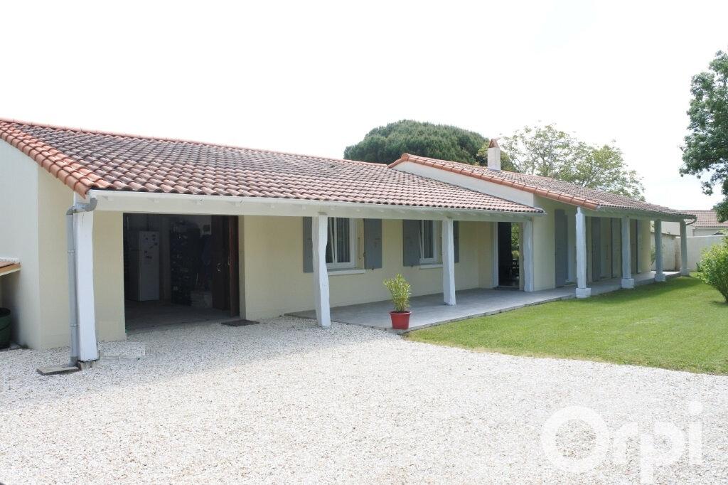 Maison à vendre 4 132m2 à Breuillet vignette-1