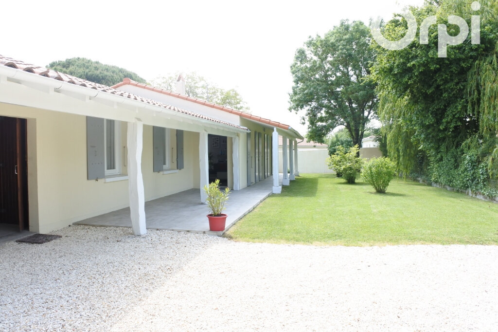 Maison à vendre 4 132m2 à Breuillet vignette-2