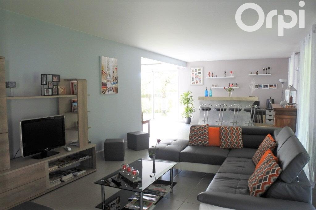 Maison à vendre 4 132m2 à Breuillet vignette-3