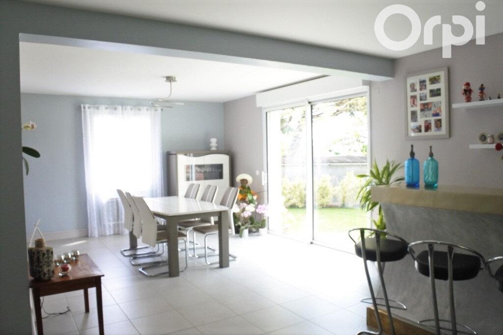 Maison à vendre 4 132m2 à Breuillet vignette-4