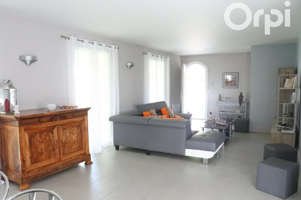Maison à vendre 4 132m2 à Breuillet vignette-5
