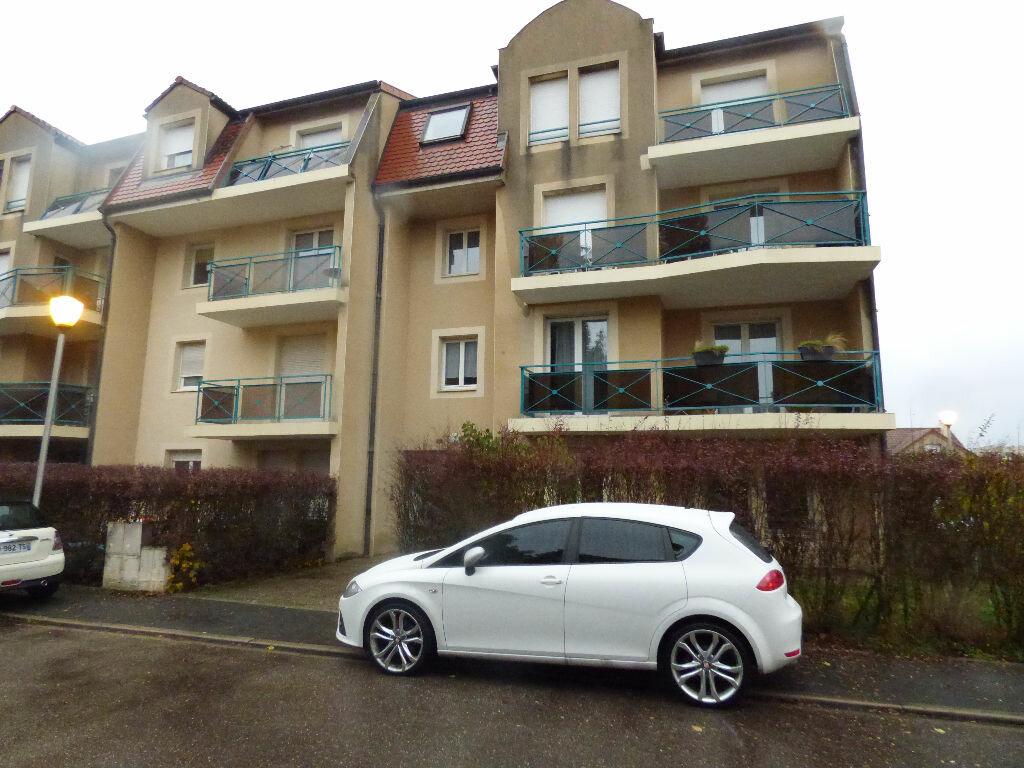 Appartement à louer 3 69.13m2 à Talange vignette-1