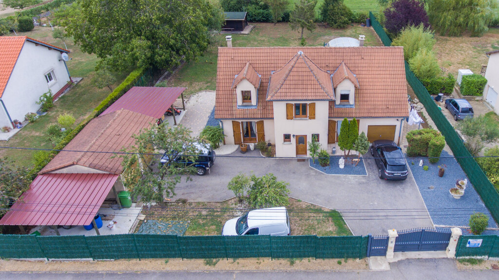 Maison à vendre 6 147.51m2 à Sainte-Barbe vignette-1
