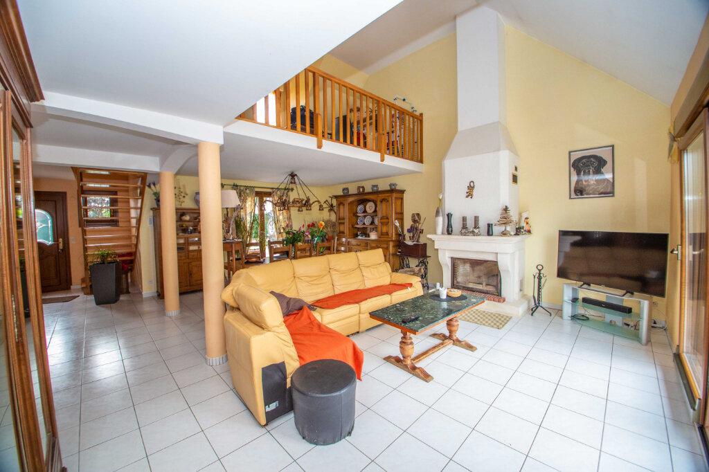 Maison à vendre 6 147.51m2 à Sainte-Barbe vignette-2