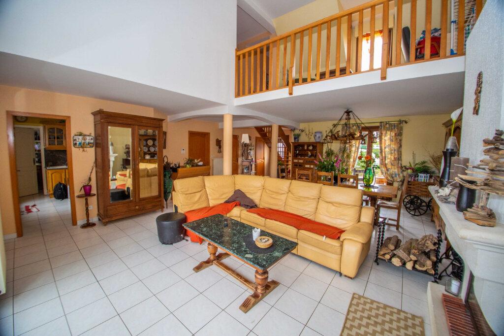 Maison à vendre 6 147.51m2 à Sainte-Barbe vignette-3