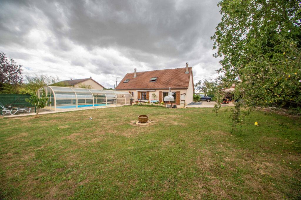 Maison à vendre 6 147.51m2 à Sainte-Barbe vignette-9