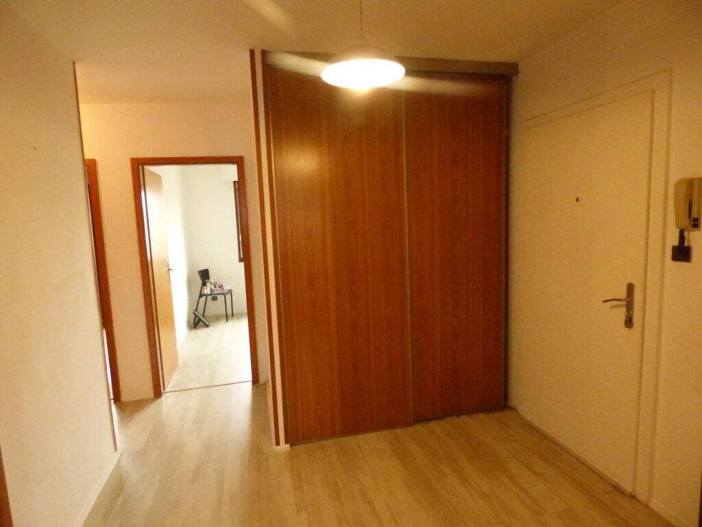 Appartement à louer 3 62.7m2 à Hagondange vignette-2