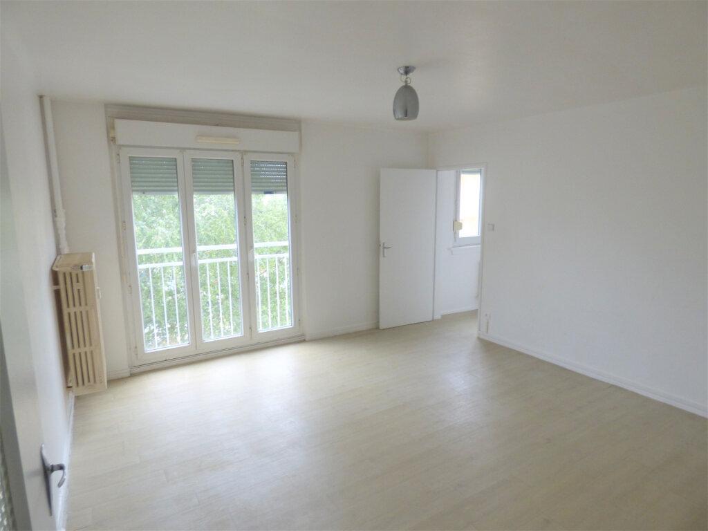 Appartement à louer 3 64.15m2 à Thionville vignette-2