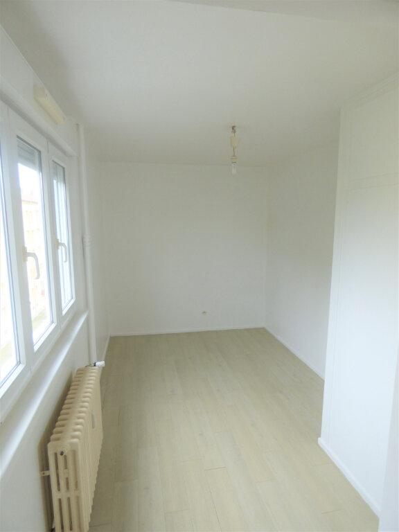 Appartement à louer 3 64.15m2 à Thionville vignette-4