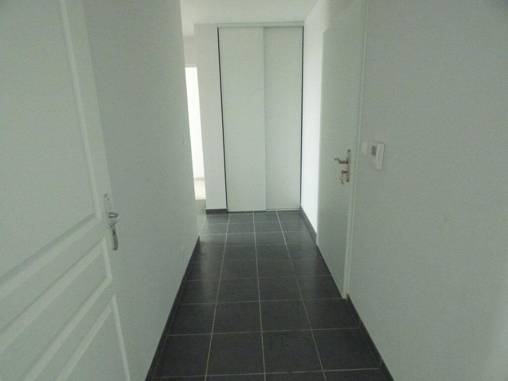 Appartement à louer 3 66.33m2 à Amnéville vignette-4