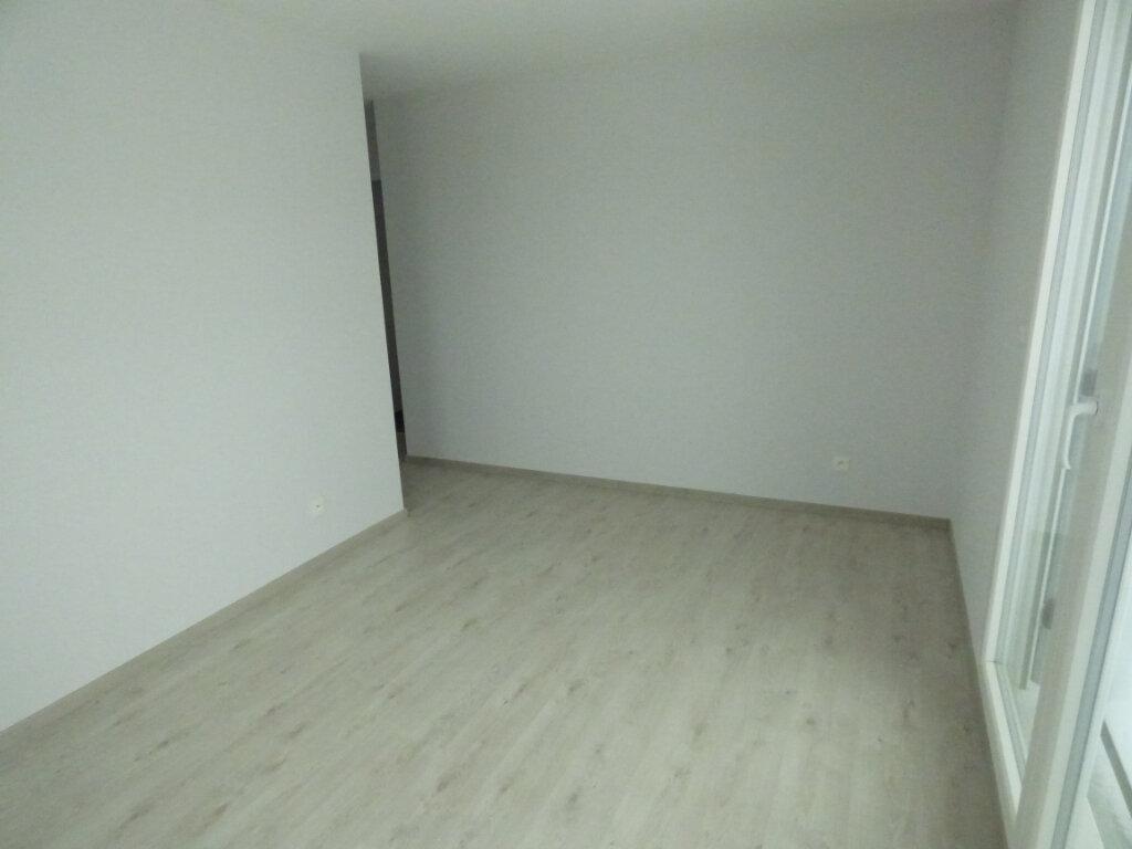 Appartement à louer 3 66.33m2 à Amnéville vignette-7