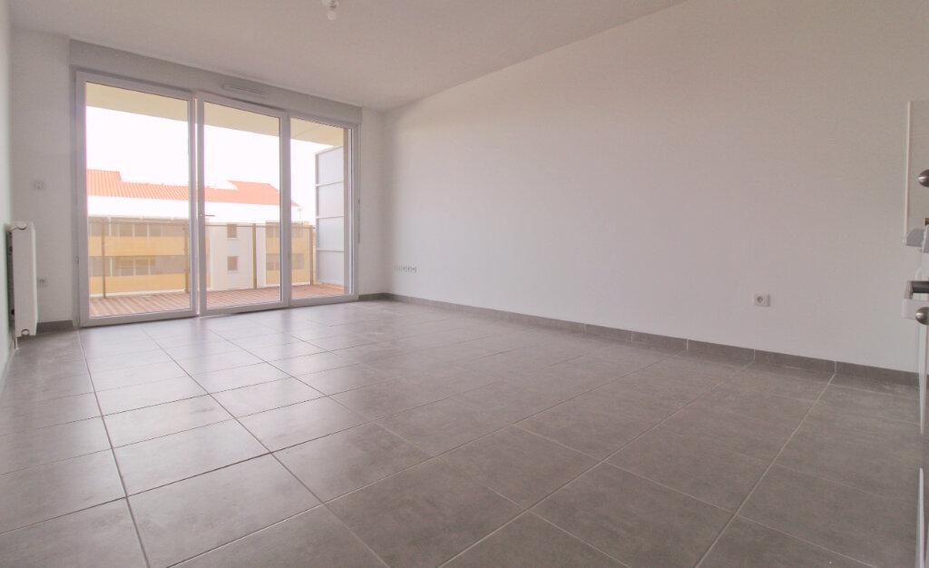 Appartement à louer 3 59.76m2 à Toulouse vignette-1