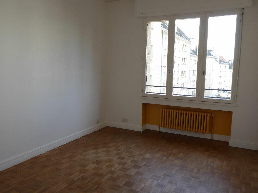 Appartement à vendre 4 90.54m2 à Caen vignette-3