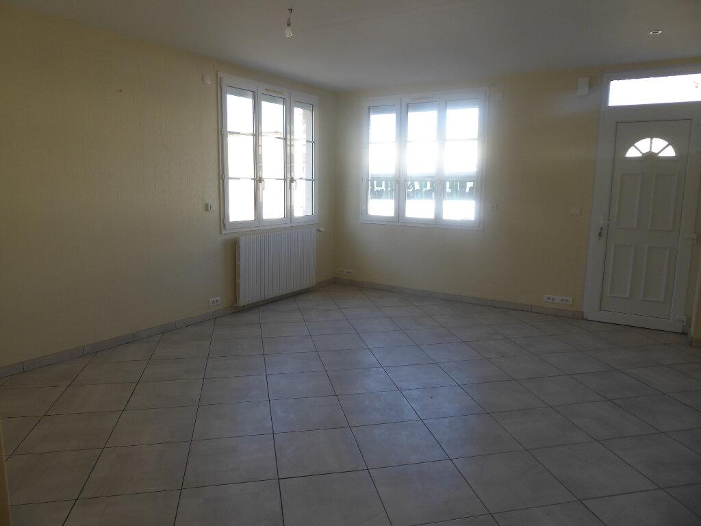 Maison à vendre 5 113m2 à Tilly-sur-Seulles vignette-1