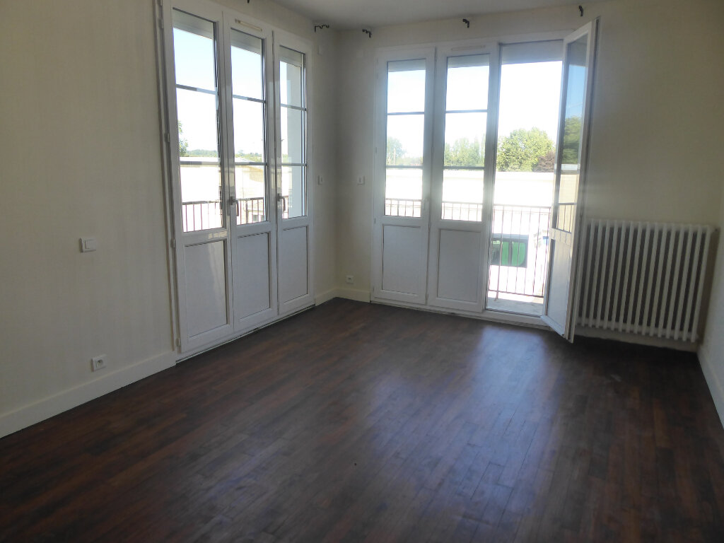 Maison à vendre 5 113m2 à Tilly-sur-Seulles vignette-3