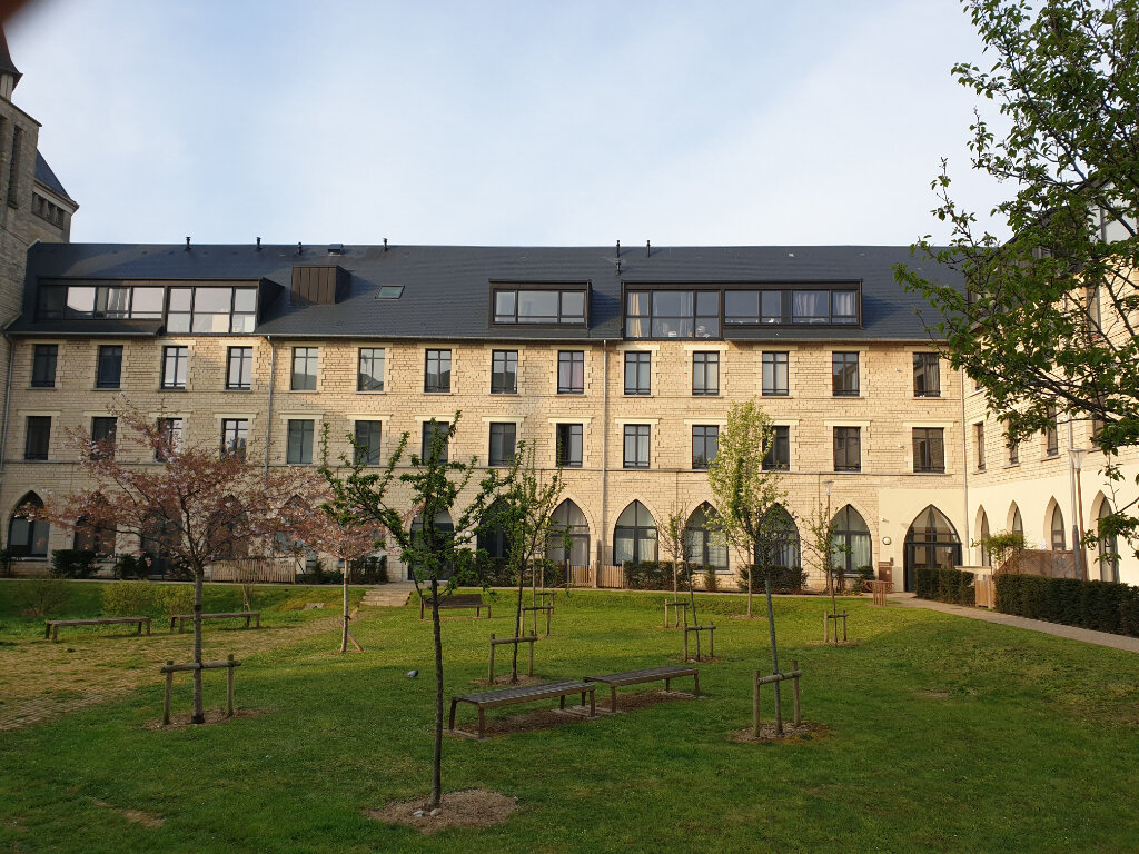 Appartement à louer 3 69.51m2 à Caen vignette-1