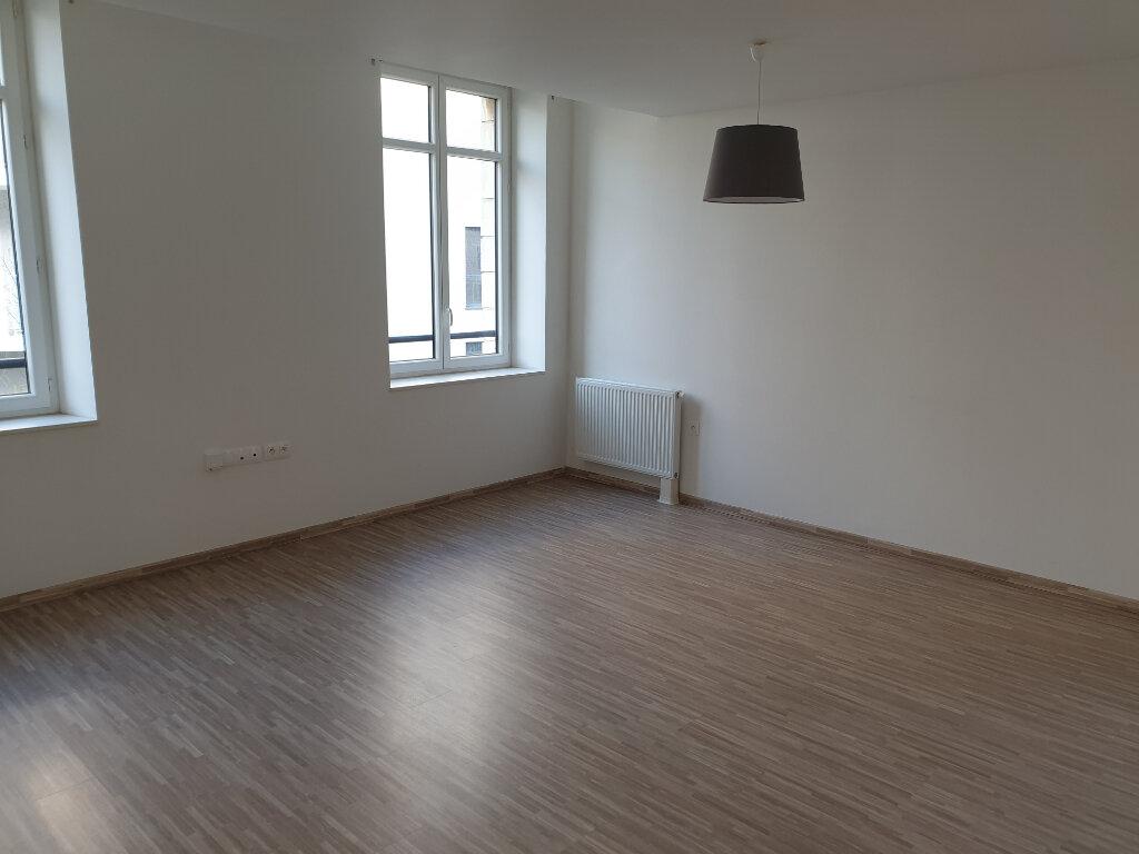 Appartement à louer 3 69.51m2 à Caen vignette-2