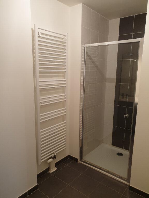 Appartement à louer 3 69.51m2 à Caen vignette-4