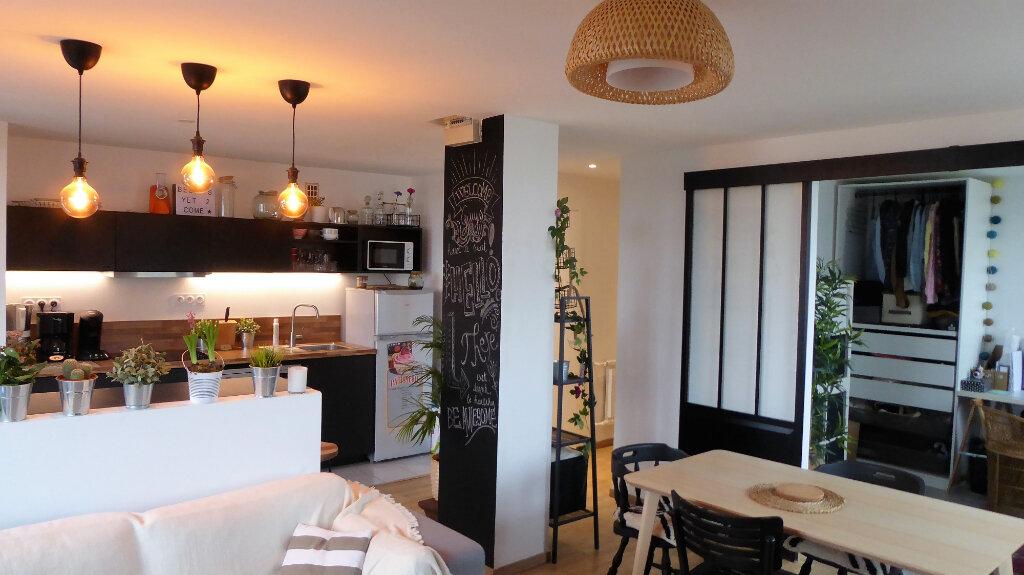 Appartement à louer 3 52.98m2 à Caen vignette-1