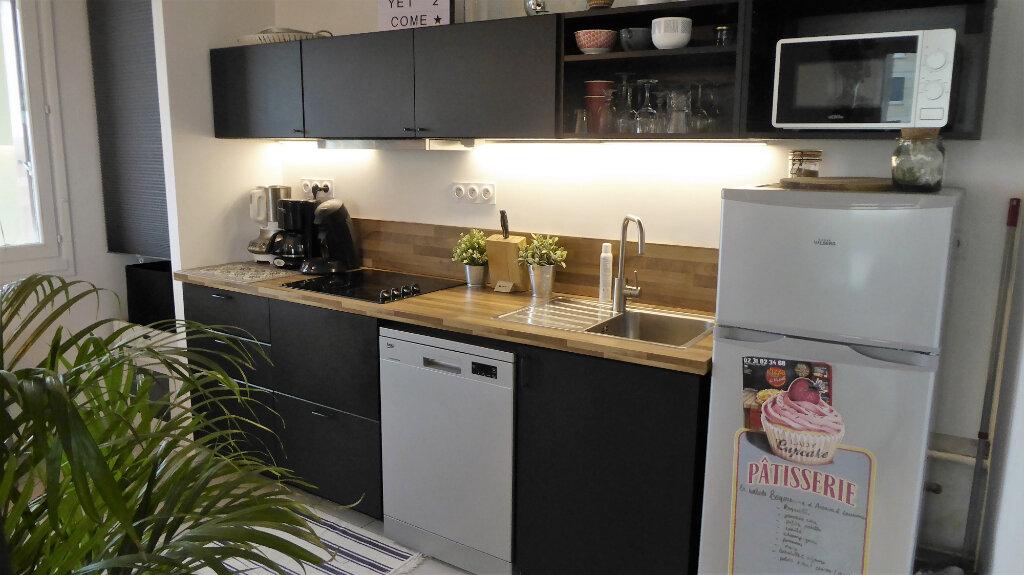 Appartement à louer 3 52.98m2 à Caen vignette-2