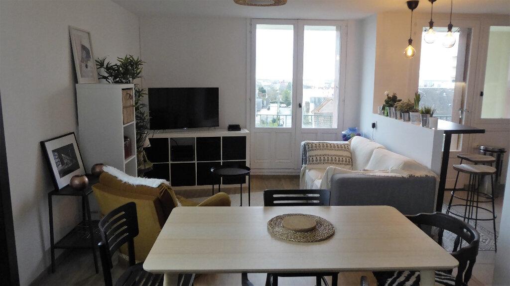 Appartement à louer 3 52.98m2 à Caen vignette-3