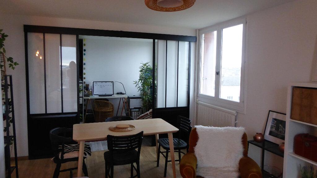 Appartement à louer 3 52.98m2 à Caen vignette-8