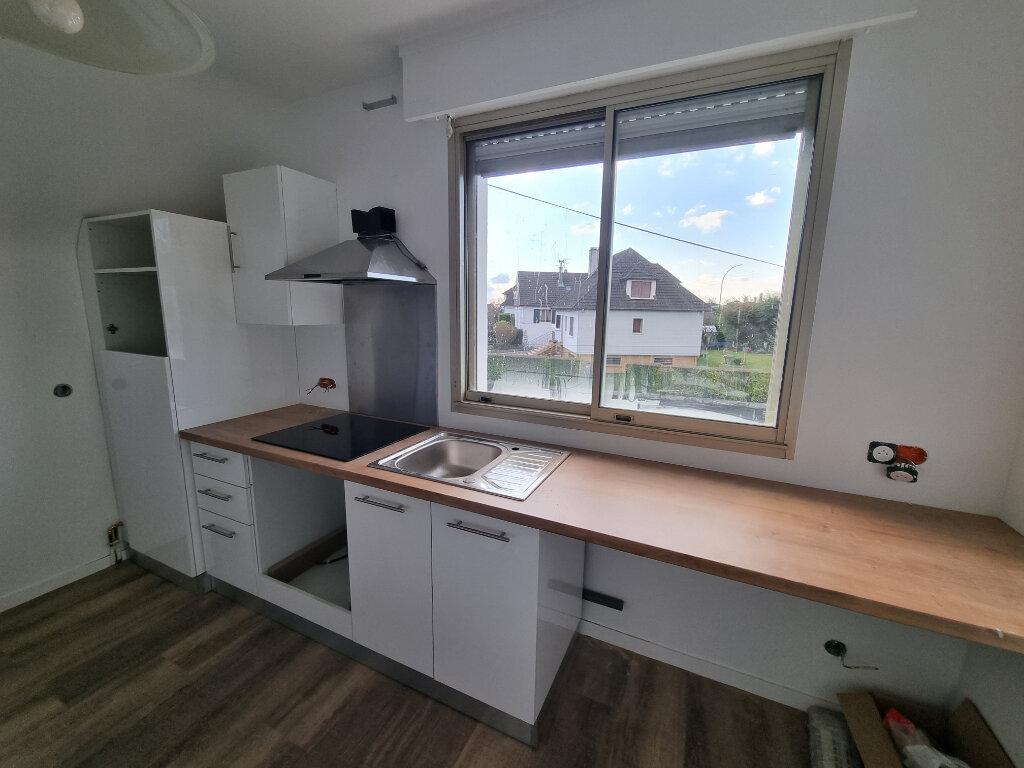 Appartement à louer 4 84m2 à Caen vignette-2