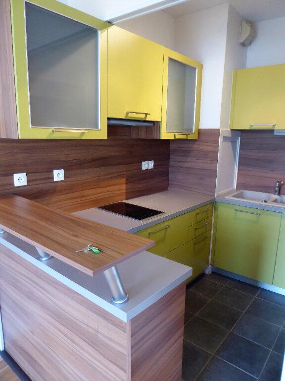 Appartement à louer 2 44.6m2 à Caen vignette-2