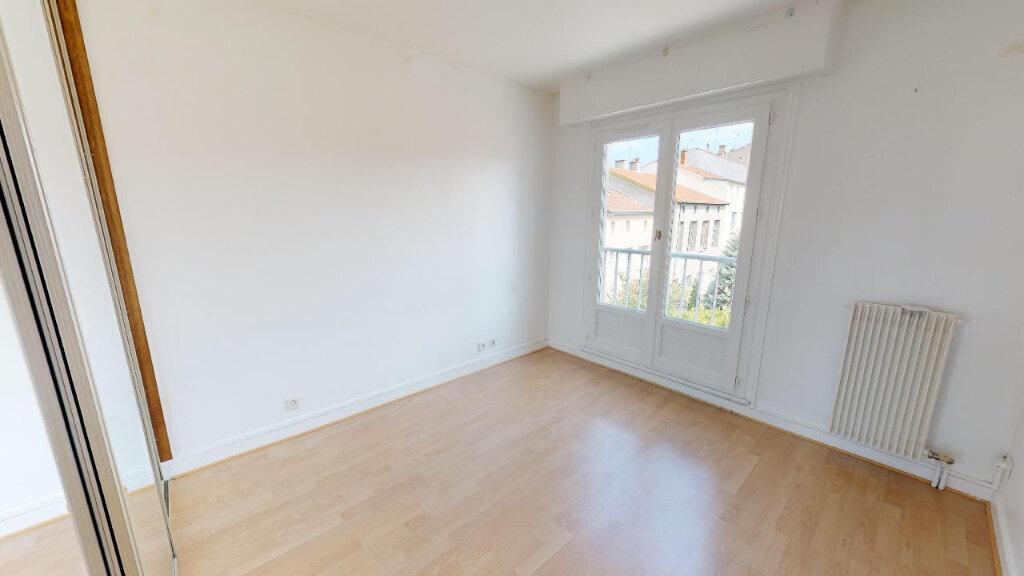 Appartement à vendre 3 77m2 à Saint-Genest-Lerpt vignette-3