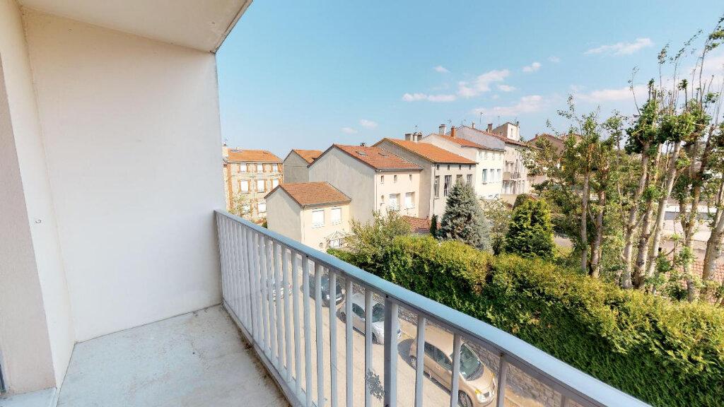 Appartement à vendre 3 77m2 à Saint-Genest-Lerpt vignette-4