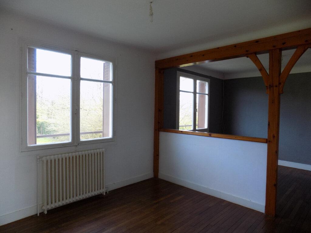 Maison à vendre 3 70m2 à Châtillon-sur-Thouet vignette-4
