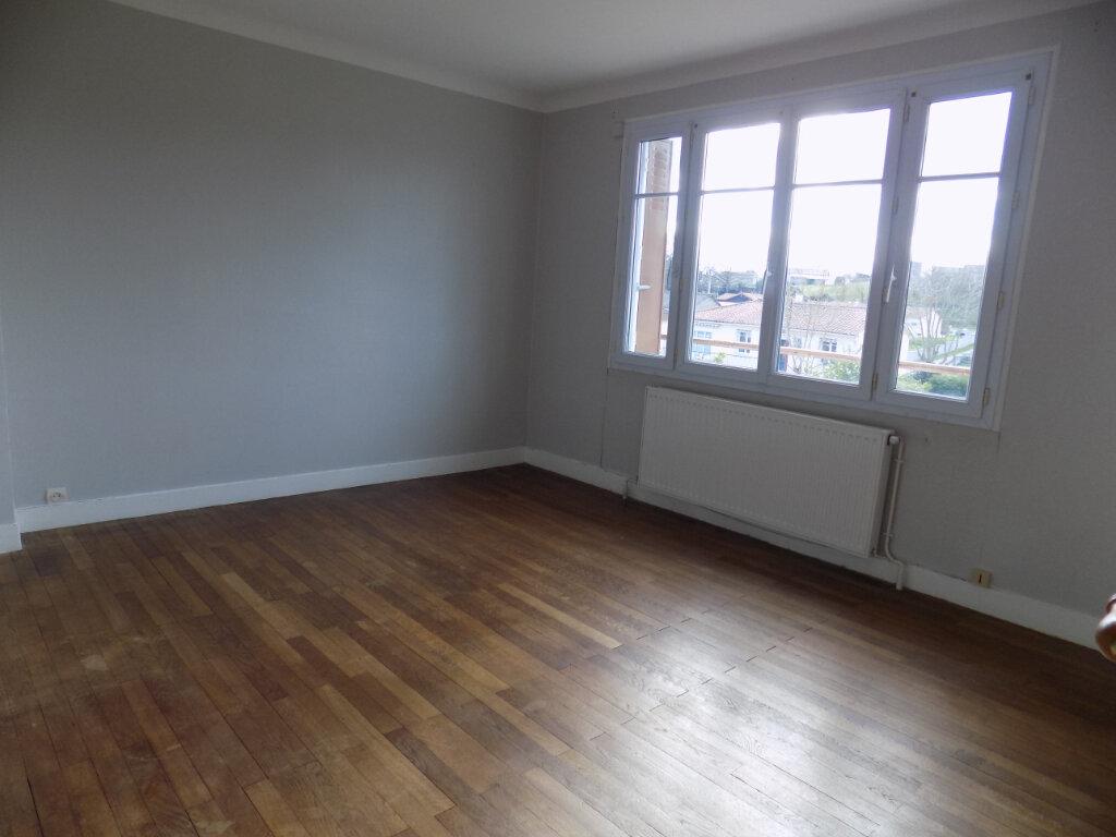Maison à vendre 3 70m2 à Châtillon-sur-Thouet vignette-8