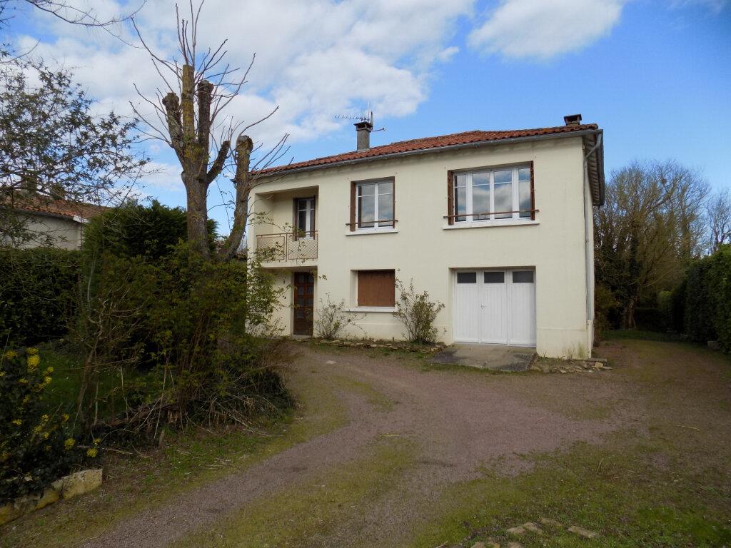Maison à vendre 3 70m2 à Châtillon-sur-Thouet vignette-13
