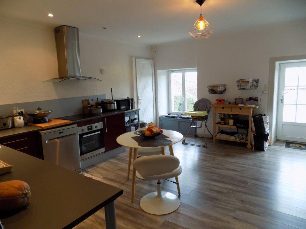 Maison à vendre 6 100m2 à Saint-Aubin-le-Cloud vignette-4
