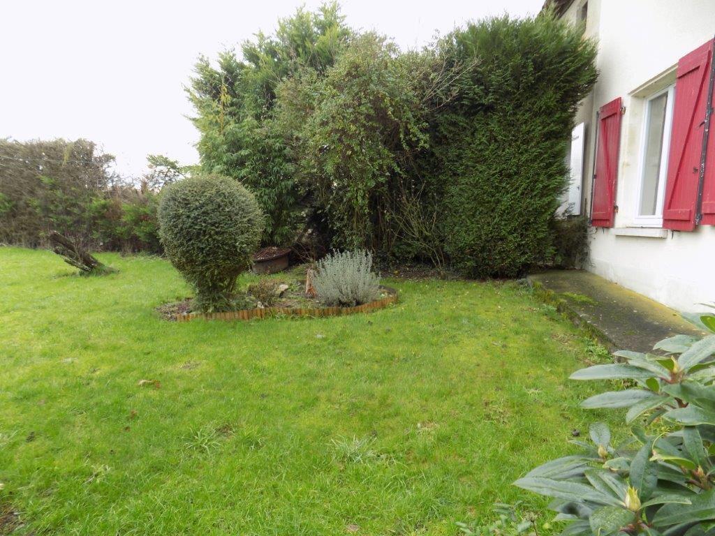 Maison à vendre 6 100m2 à Saint-Aubin-le-Cloud vignette-16