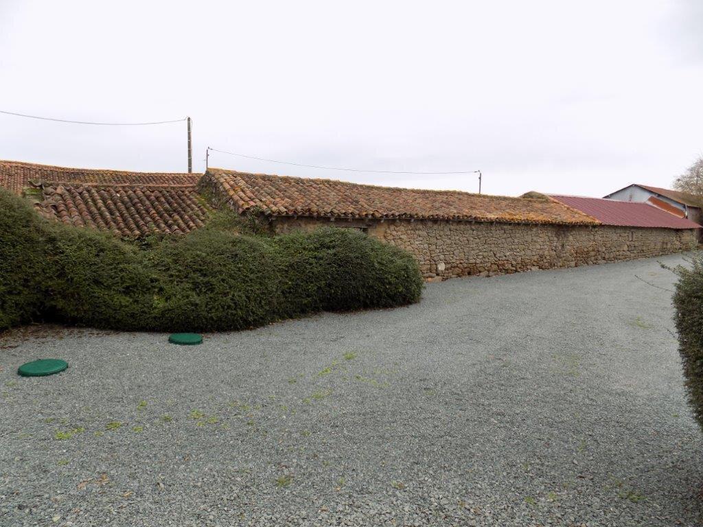 Maison à vendre 6 100m2 à Saint-Aubin-le-Cloud vignette-17