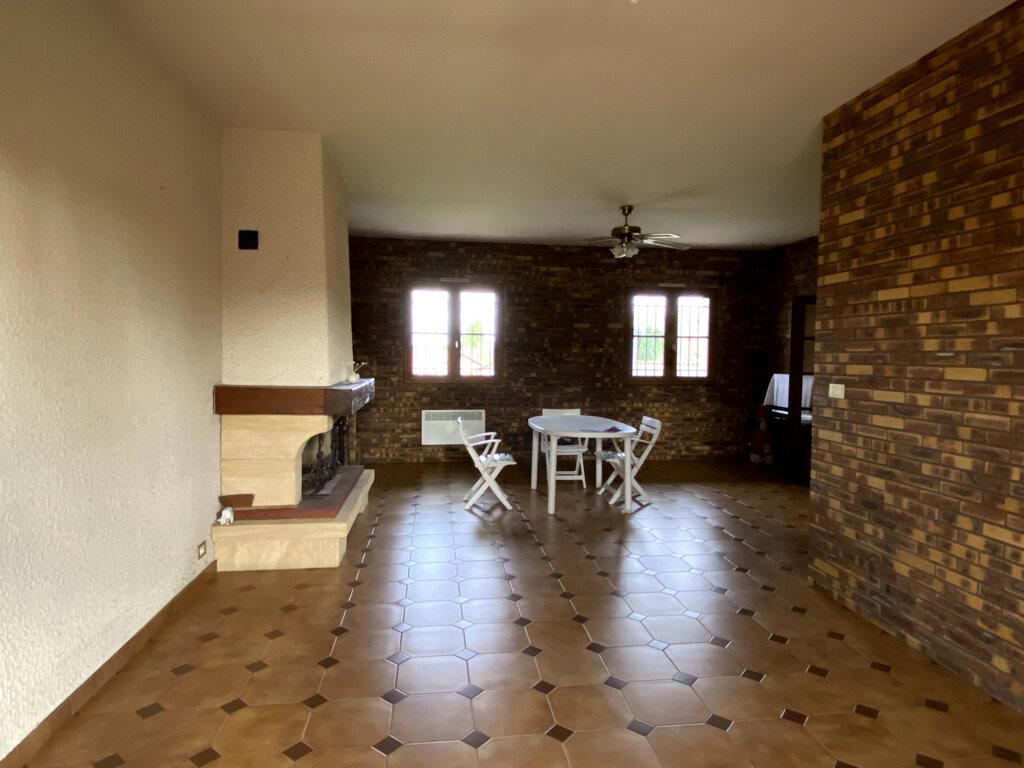 Maison à vendre 9 145m2 à Secondigny vignette-4