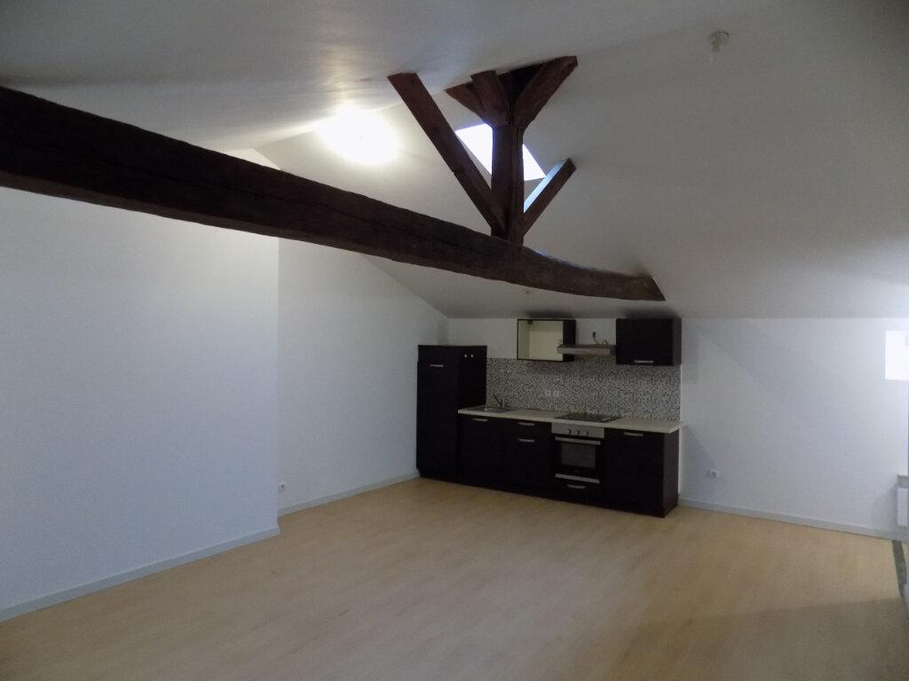 Appartement à louer 3 78m2 à Parthenay vignette-1