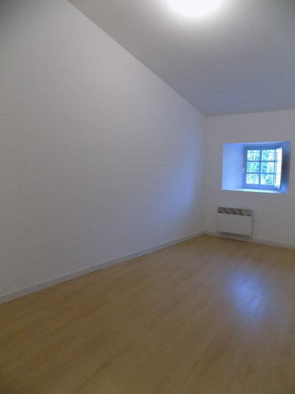 Appartement à louer 3 78m2 à Parthenay vignette-3