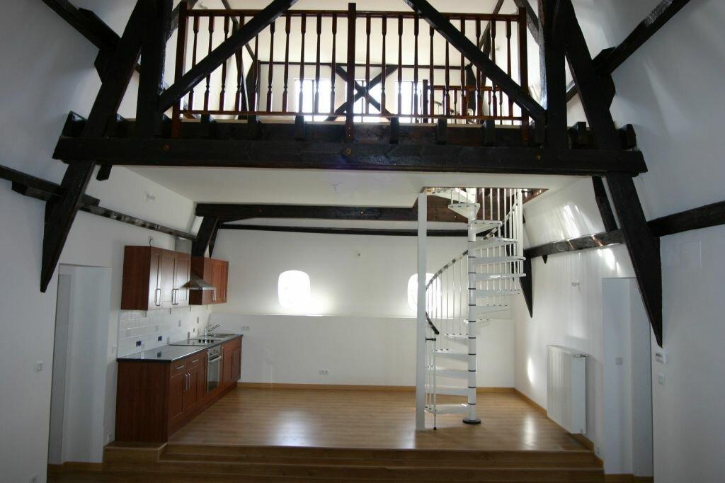 Appartement à vendre 3 100m2 à Parthenay vignette-1