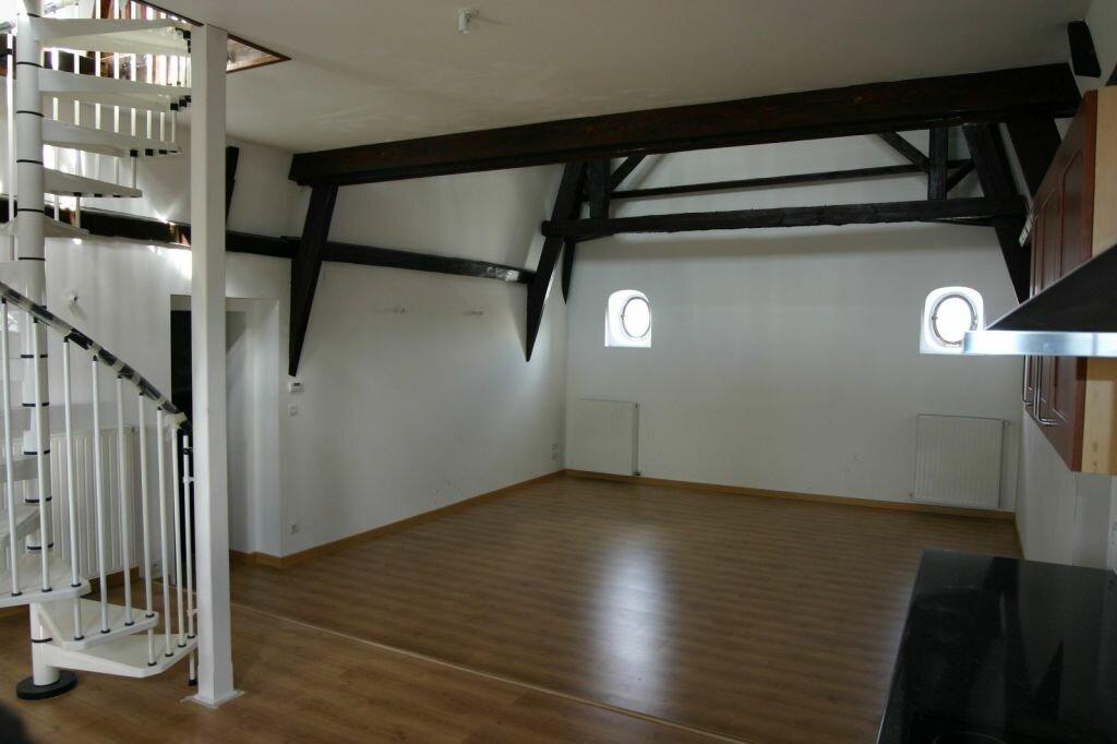 Appartement à vendre 3 100m2 à Parthenay vignette-2