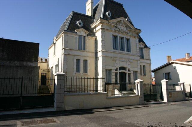Appartement à vendre 3 100m2 à Parthenay vignette-9