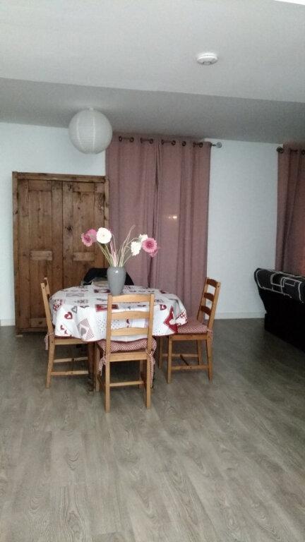 Appartement à louer 2 48m2 à Parthenay vignette-1