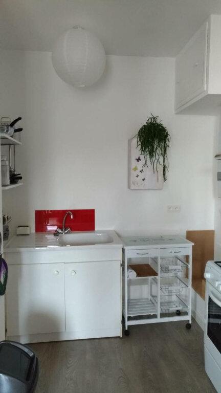 Appartement à louer 2 48m2 à Parthenay vignette-2