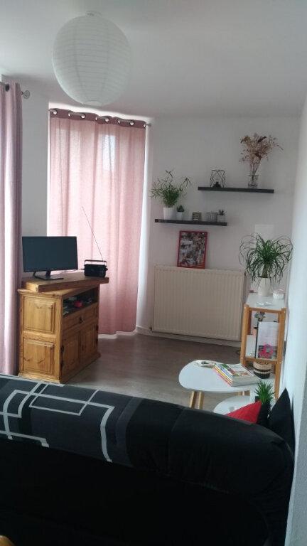 Appartement à louer 2 48m2 à Parthenay vignette-3