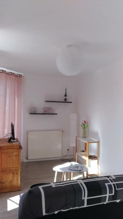 Appartement à louer 2 48m2 à Parthenay vignette-5