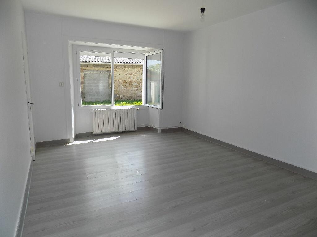 Maison à louer 6 100m2 à Viennay vignette-4