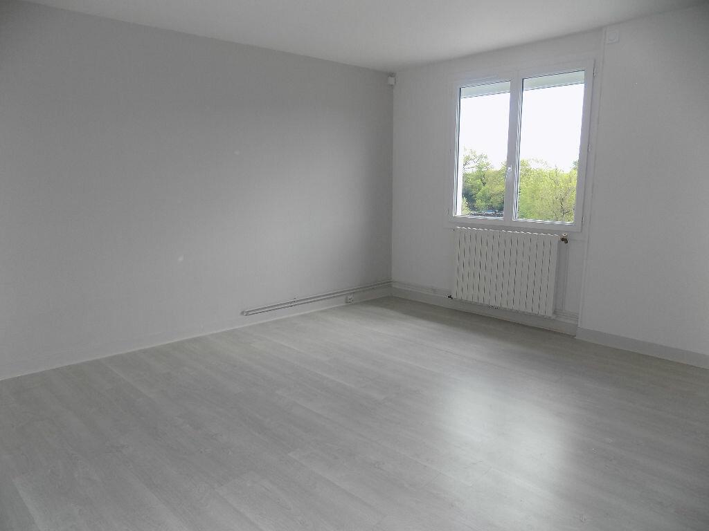 Maison à louer 6 100m2 à Viennay vignette-7