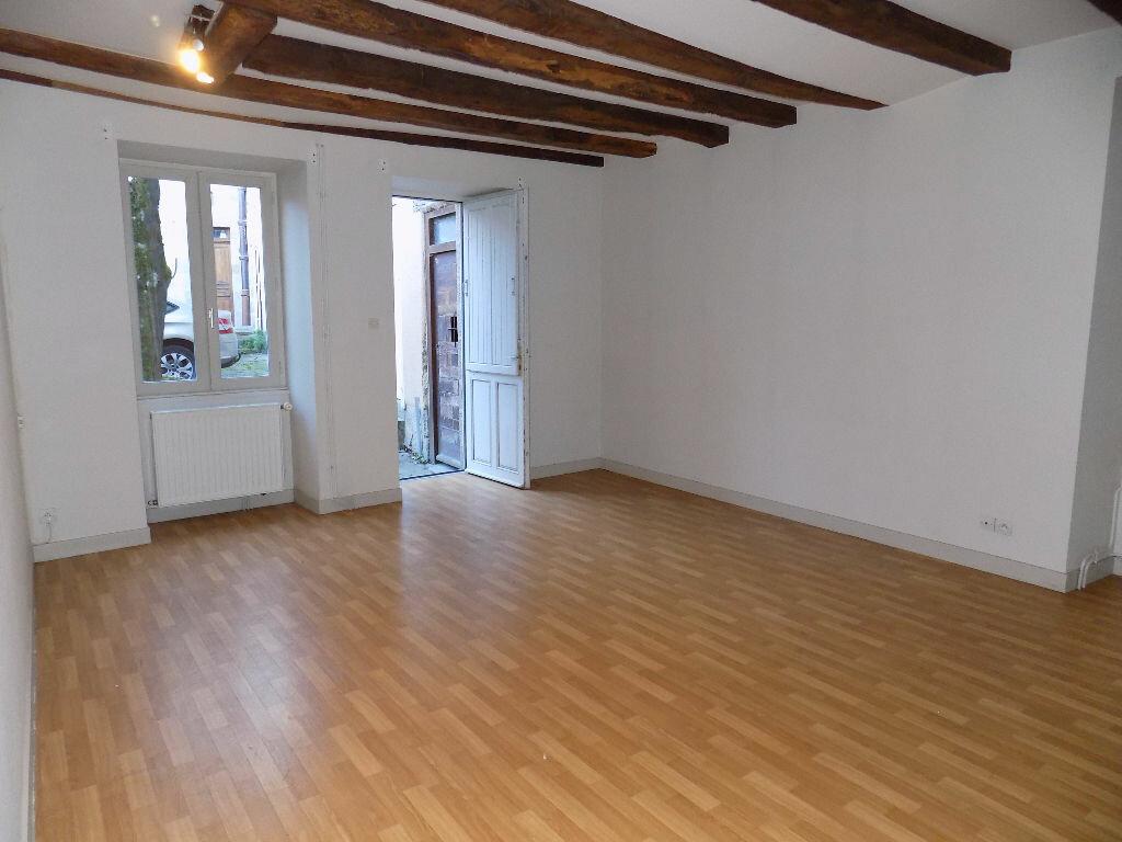 Maison à louer 3 85m2 à Parthenay vignette-2